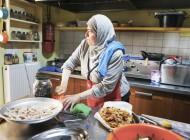 Πρόσφυγες και ντόπιοι μαζί σε ένα τραπέζι
